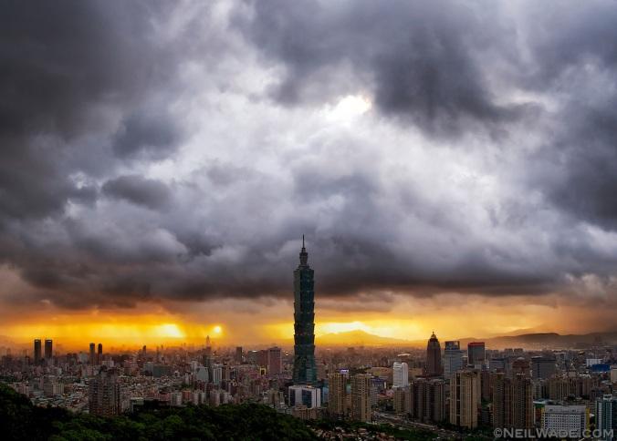 Taipei-City-Skyline-Storm